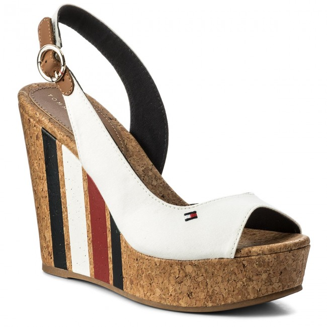 09d44709ed Sandále TOMMY HILFIGER - Wedge With Printed Stripes FW0FW02794 Wisper Wite  121