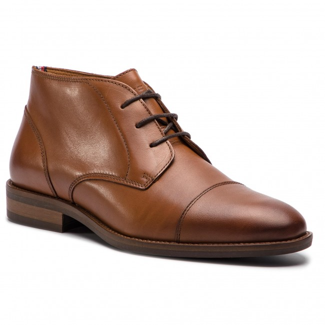 Outdoorová obuv TOMMY HILFIGER - Essential Leather Toecap Boot FM0FM02138  Winter Cognac 906 ce51098cbee