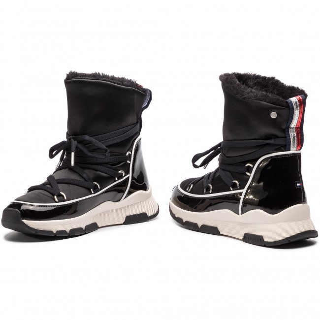 085fdac160 Topánky TOMMY HILFIGER - Cool Technical Satin Winter Boot FW0FW03697 Black  990