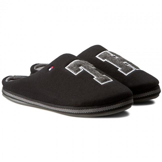 1ca616cd90 Papuče TOMMY HILFIGER - Cornwall 1D FM56822117 Black 990 - Papuče - Šľapky  a sandále - Pánske - www.eobuv.sk