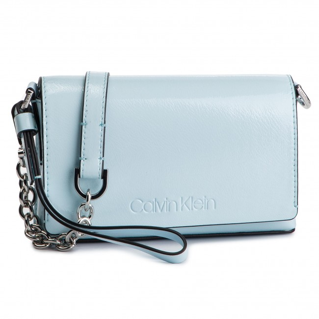 31813fa7f6 Kabelka CALVIN KLEIN - Dressed Up Pouch On Chain K60K605091 458 ...