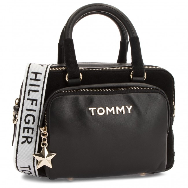 Kabelka TOMMY HILFIGER - Corp Highlight Duffl AW0AW05722 002 ... 7ea565dbefb