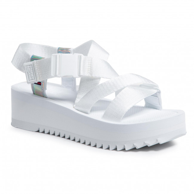 Sandále TOMMY JEANS - Iridescent Strappy Sandal EN0EN01332 White YBR